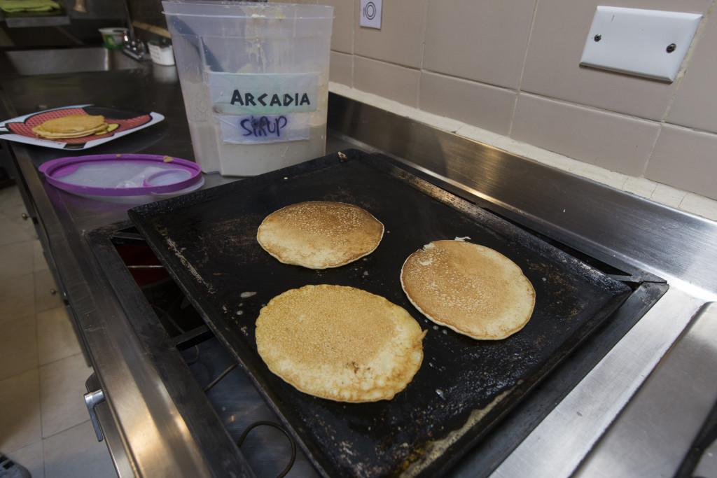 Hostal_Arcadia_kitchen_pancakes